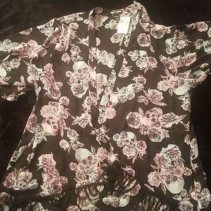 NWOT Skull Kimono